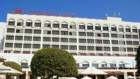 """Crowne Plaza Muscat: Die """"Meerblick-Front"""""""