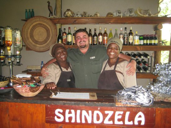 Shindzela Tented Camp: Johan and the girls