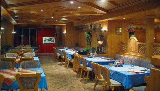 restaurant bild von haus rheinblick ott monheim am rhein tripadvisor. Black Bedroom Furniture Sets. Home Design Ideas