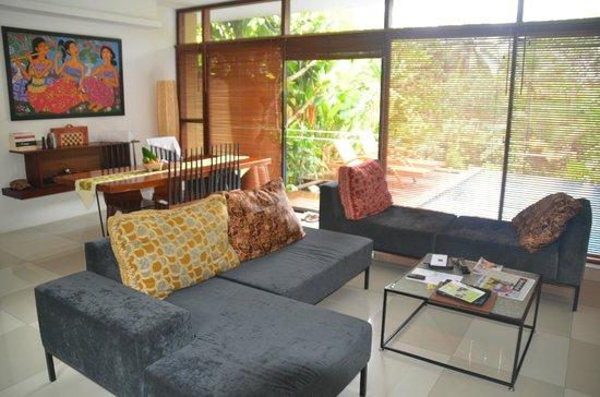 Ubud Green: Living room
