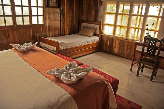 The Wooden House Lodge: Triple Room