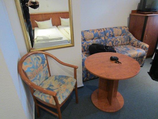 Hotel Zeil: Room