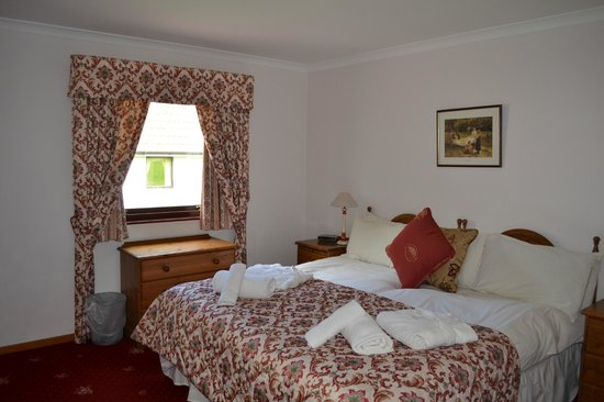 Kilconquhar Castle Estate and Country Club : Double bed bedroom