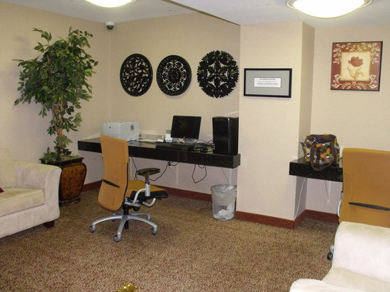 Hampton Inn & Suites Salt Lake City Airport: Business center