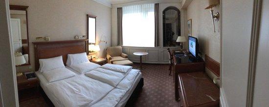 Hotel Bristol Berlin: Room