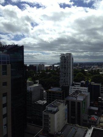 Crowne Plaza Auckland : room with a view ...
