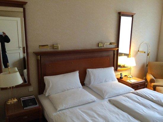 Kempinski Hotel Bristol: Room