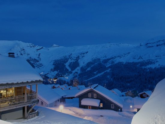 Residence le Refuge du Golf: Night View over Flaine