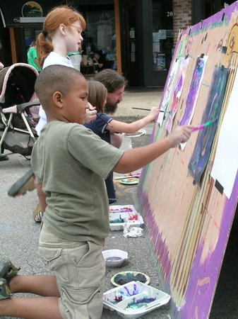 Athens Visitors Center: Kids having fun at a festival on the Square, Athens, AL