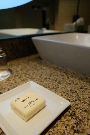 Fairmont Bab Al Bahr: Soap