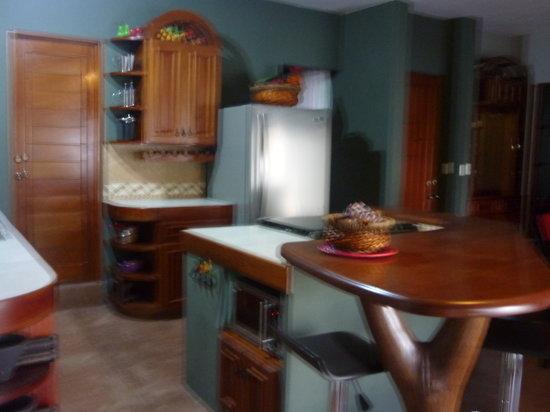 Maya Cala: Casa kitchen