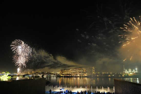 Fairmont Bab Al Bahr: Fireworks on NYE