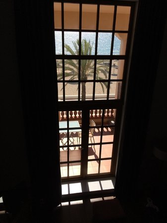 Le Meridien Ra Beach Hotel & Spa: The large windows