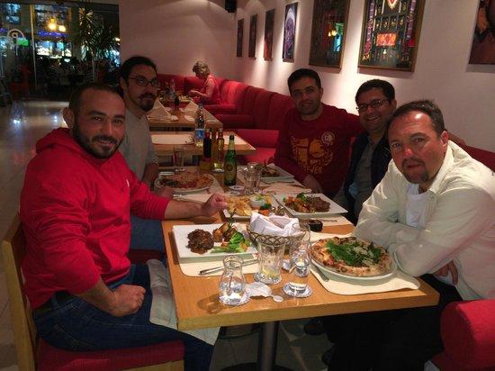 Camel Dive Club & Hotel: Pomodor'da akşam yemeği