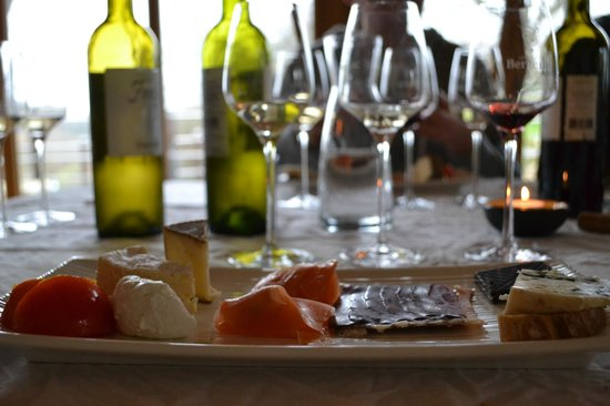 French Wine Adventures - Day Tours: lunch and winetasting