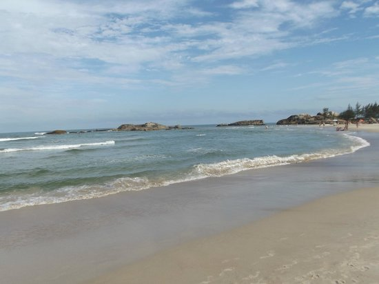 Barra Beach : Junção Mar da Barra com final da queda d'água Encantada