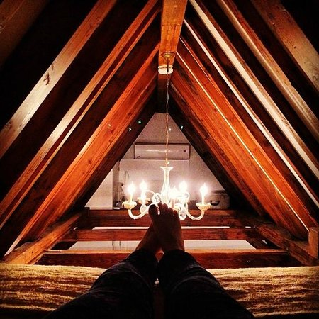 The Weavery Boutique Bed & Breakfast: Attic Bedroom (one of two Queen size beds in room)