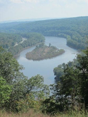 Delaware Water Gap National Recreation Area: Further up the Red path---Mount Tammany