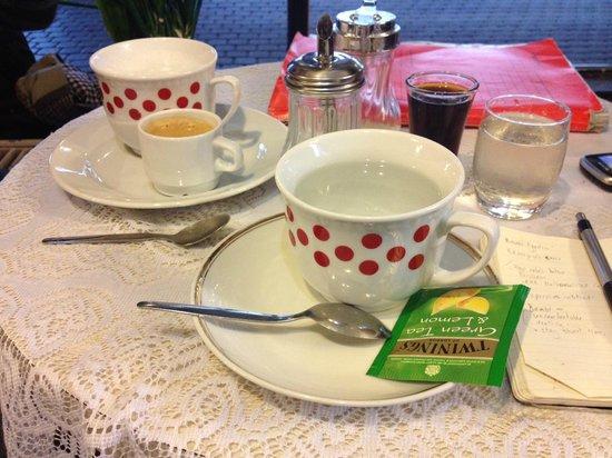 Fungarian : Original teacups at the Bambi