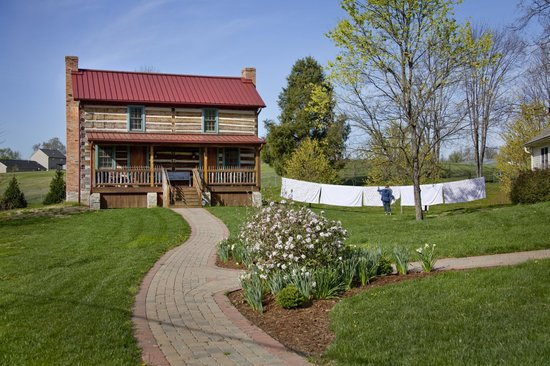 Burlington's Willis Graves Bed and Breakfast Inn: Spring and fresh sheets