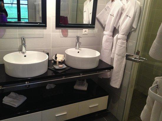 Domaine de Barive: Salle de bain suite 23