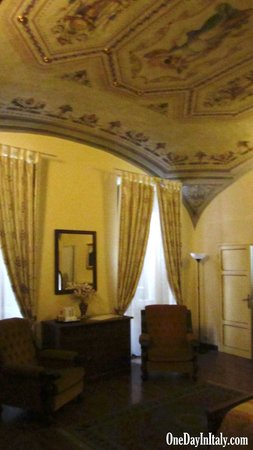 Bed and Breakfast Pantaneto Palazzo Bulgarini : Large, beautiful rooms