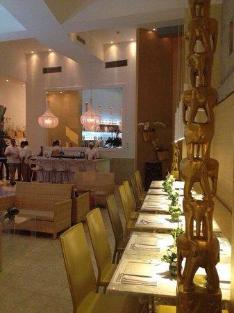 Bambu Thai & More : Parte salón