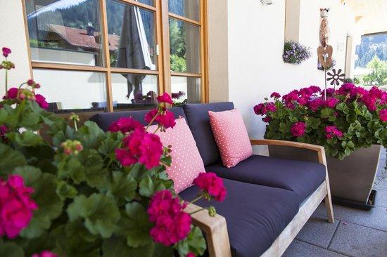 Der Waldhof : Terrasse Sommer