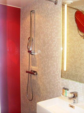Elite Hotel Arcadia: Bagno favoloso!