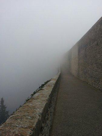 The Tower's Bridge: Con la nebbia non sembra neanche così alto ;)