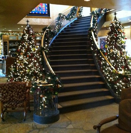 The Herrington Inn & Spa: Lobby decorated for Christmas