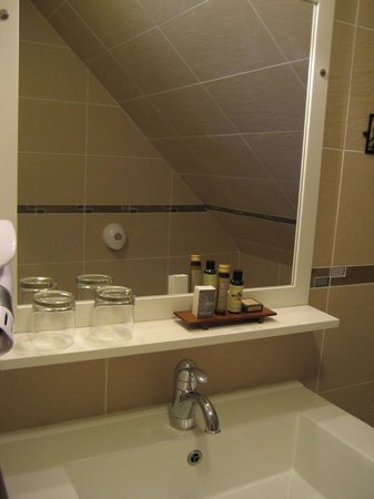 Hotel Le Chatellier : Bathroom