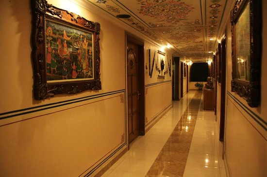 Sunder Palace Guest House: Pasillo