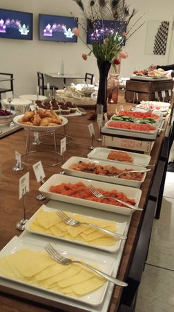 Nordic Light Hotel: Breakfast