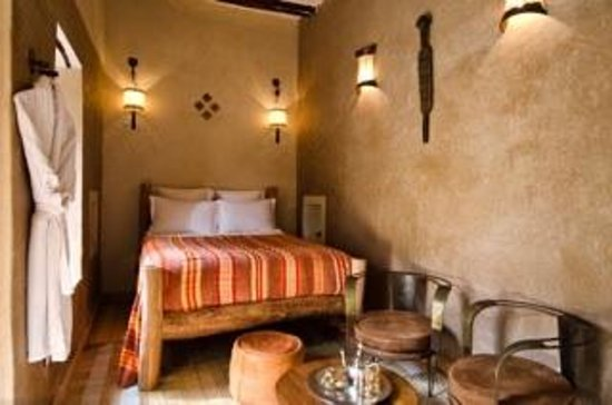 Dar Rocmarra: Sahara room, so earthy !
