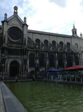 Ibis Brussels Centre Sainte Catherine : Behind the hotel
