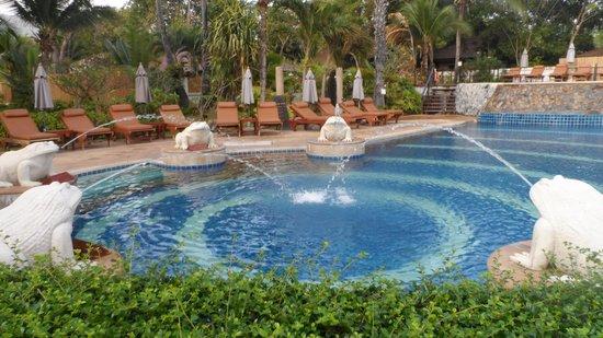 Bandara Resort & Spa: pool view