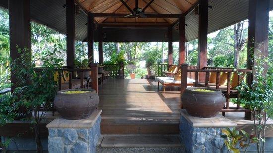Bandara Resort & Spa: on the way to sea