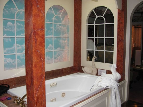 Adele Turner Inn : Jacuzzi Tub