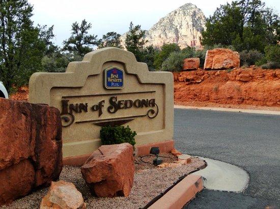 BEST WESTERN PLUS Inn of Sedona: View near entrance