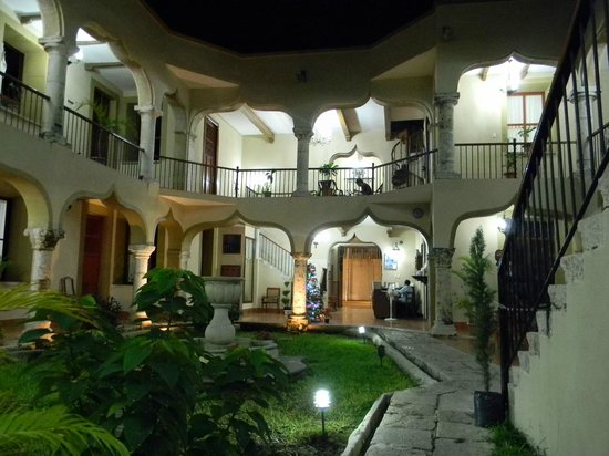 Hotel Montejo: courtyard