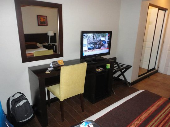 Hotel Crans Montana: hab