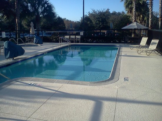 Residence Inn Ocala: It was too cold but would have liked to swim