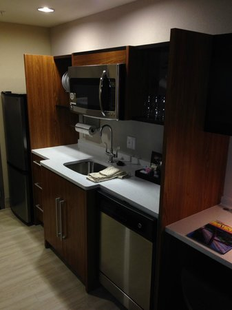 Home2 Suites by Hilton - Austin/Cedar Park: Kitchen - Fully Equipped
