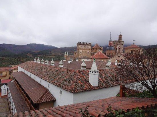Parador de Guadalupe: Vista de Guadalupe desde la terraza del Parador