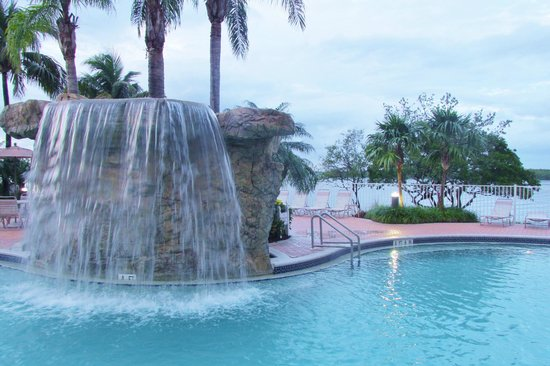 Lovers Key Resort: pool