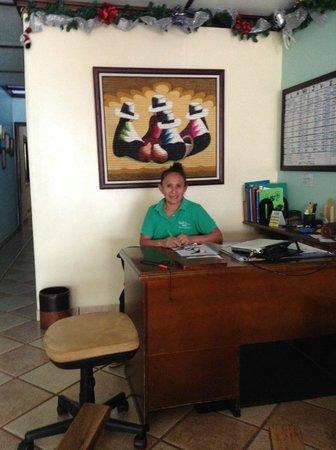 Hotel Pacande: check-in desk
