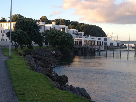 Trinity Wharf Tauranga: Hotel from Road when returning after dinner