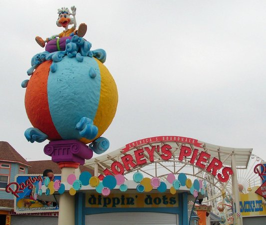 Wildwood Boardwalk : The fun begins here!