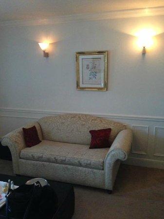 Hotel de la Tremoille : Old simple decoration
